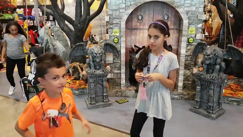 2016 Spirit Halloween store tour | Costumes and decorations