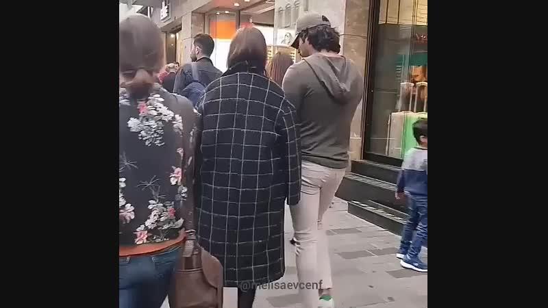 Фахрие и Бурак на улицах Турции