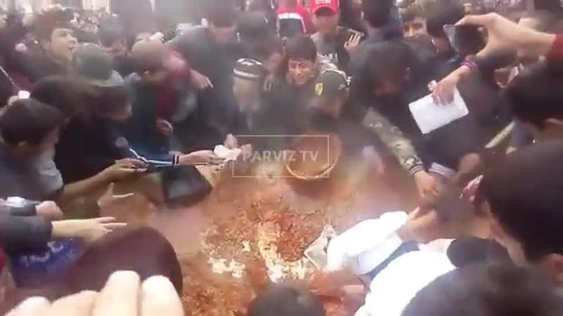 Як навори нодиданй аз фестивали оши палов дар шахри Душанбе