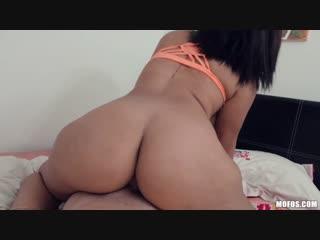 [mofos] valentina jewels - hit it and run [на камеру, порно, sex, секс, анал, anal, минет, вебка, цп, инцест]