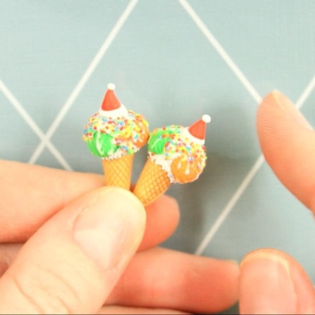 """Sweetminidollhouse on Instagram: """"Miniature Christmas ice cream with sprinkles 🎅🎄 Full video on my YouTube channel: Sweetminidollhouse 🎄 Новое виде..."""