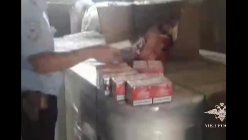 В Ставропольском крае полицейские пресекли деятельность цеха по производству фальсифицированной табачной продукции