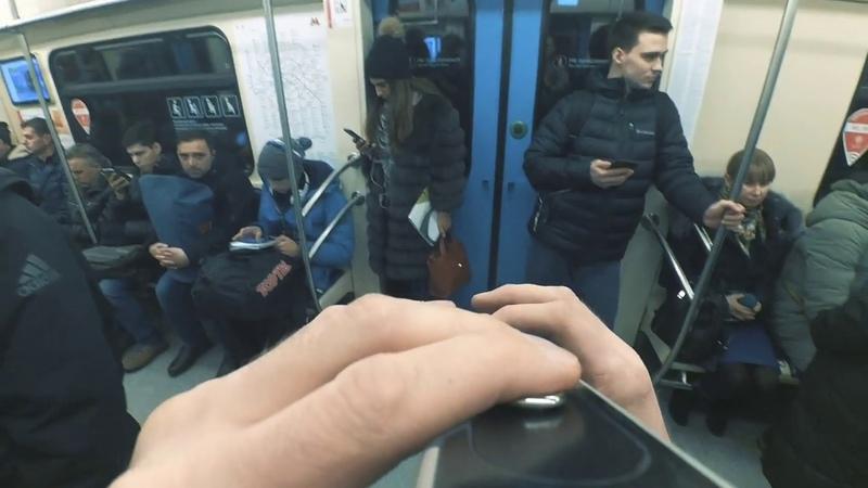 Люди добрые - уличный музыкант в московском метро под музыку charlie puth attention