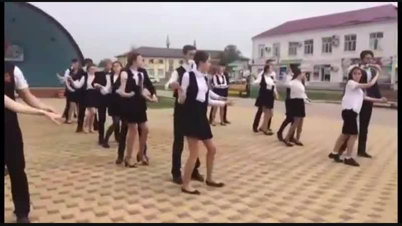 Виктория Ракова и Кристина Малютина конкурс социальной рекламы Спасем жизнь вместе