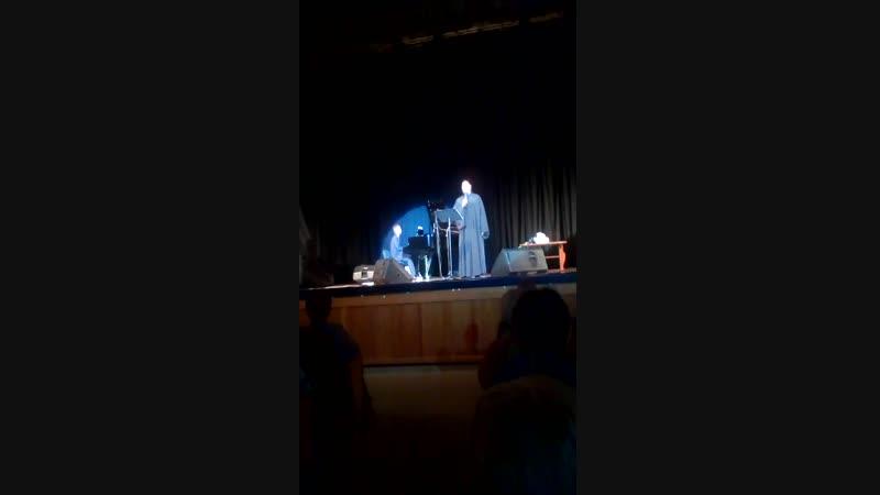 Концерт о.Фотия в Белгороде 23.10.2018. Песня еврейского портного (видео Лидии Ив)
