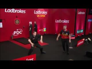 Dance battle on the UK Open 2019