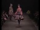 Павловопосадские платки в коллекции Славы Зайцева Истоки женская коллекция