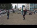 🕸 Человек-паук младший репетирует танец робота (Robot Dance).