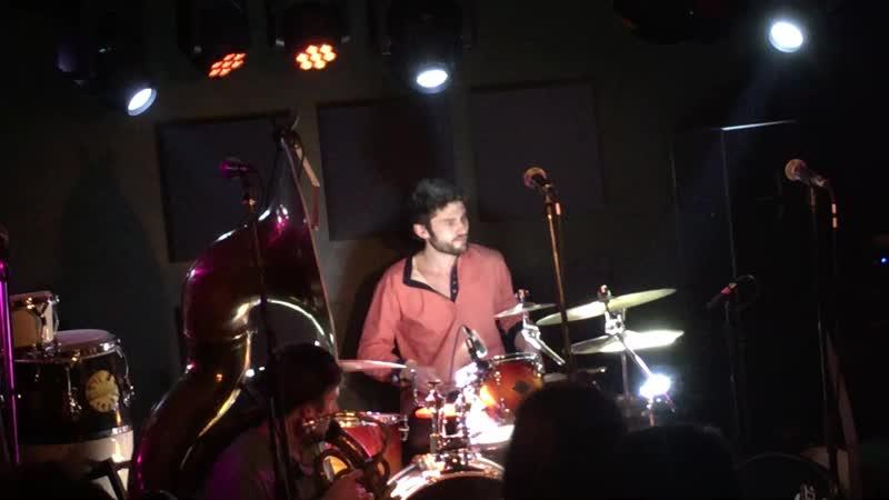 Мощная пробивка барабанов
