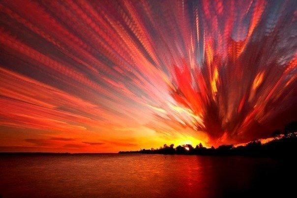 Фотографии неба от Мэтта Маллоу Канадский фотограф Мэтт Моллой создает потрясающие фотографии неба. Именно создает! Ведь для создания всего одной фотографии он объединяет сотни кадров! В итоге
