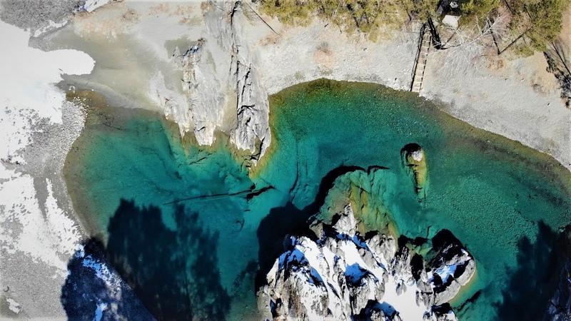 Altai. Глаза Катуни и замерзший водопад. Алтай аэросъемка. Blue lakes of the Katun (Katun Eyes).