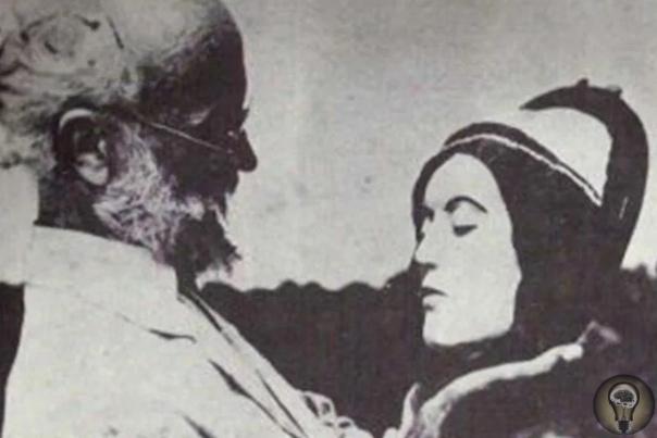 История Карла Танцлера эксцентричного некрофила, который сделал из своей любовницы мумию Помешательство Карла Танцлера это, должно быть, самая отвратительная история любви, какую только знает