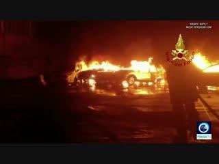 Сотни maserati сгорели в италии