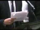 K-СМИ говорили о дрожащей руке Намджуна во время его речи на заседании ООН. Он произнёс идеальную речь с таким харизматичным взг