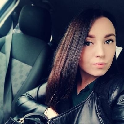 Аня Жувагина