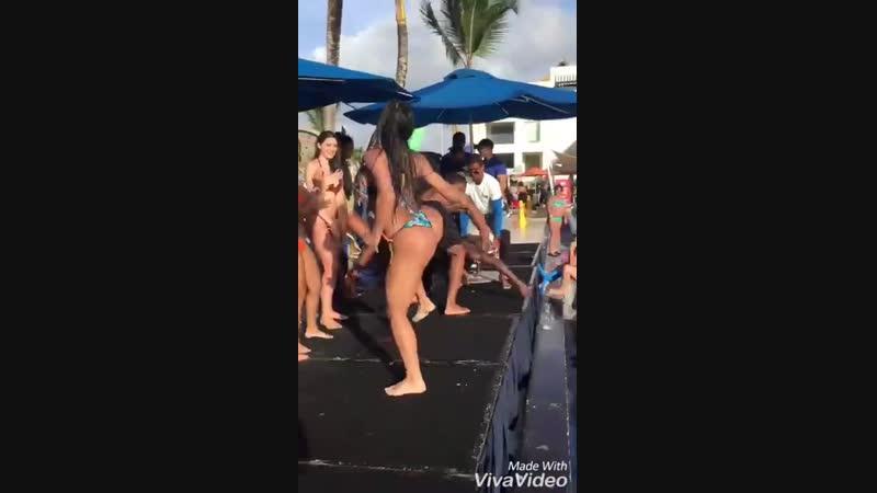 «Сногсшибательный» танец