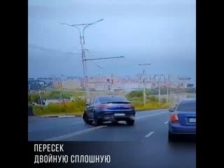 Водитель Mercedes в Чебоксарах пересек двойную сплошную