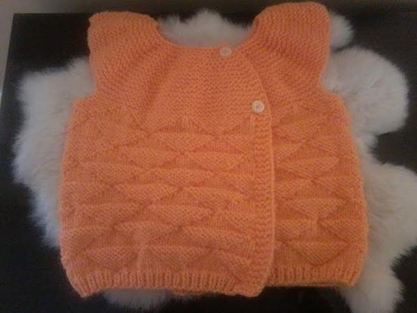 DIY . tuto tricot tricoter une brassière manches courtes bébé