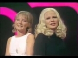 Peggy Lee &amp Petula Clark - I'm a Woman Wedding Bell Blues