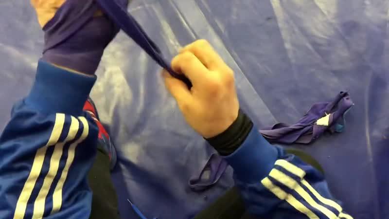 Как правильно бинтовать руки.Урок от МСМК Виктора Дулмаева