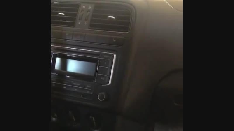 Установка нашей магнитолы на 🚗 Volkswagen Polo 👍🏼 👉Шоу рум Штатных магнитол Element-5 в Екатеринбурге Адрес: Черепанова 23 В нал