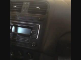 Установка нашей магнитолы на🚗 Volkswagen Polo 👍🏼👉Шоу рум Штатных магнитолElement-5 в ЕкатеринбургеАдрес: Черепанова 23В нал