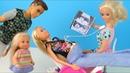 Одежда Больше НЕ НУЖНА, Папа с Эви ПЛАЧУТ Мультик Для детей Беременная Кукла Барби IkuklaTV