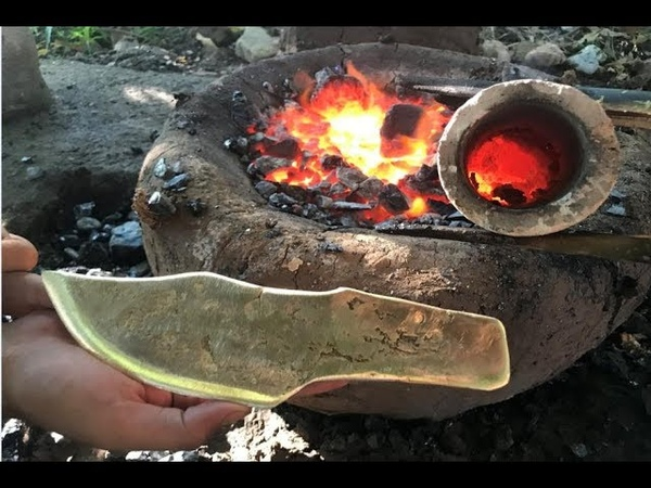 Primitive Technology: Building furnace and casting knife copper beautiful