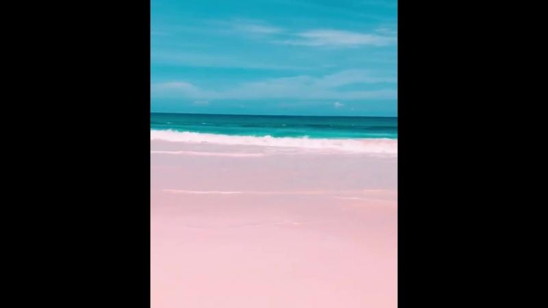Удивительный пляж Пинк Сэндс