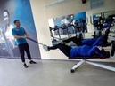 Упражнение на пресс с отягощением резинкой