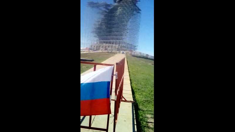 Флаг Бессмертного Полка с Тверской с 9 мая в Волгограде. Молодежное Движение Форси.
