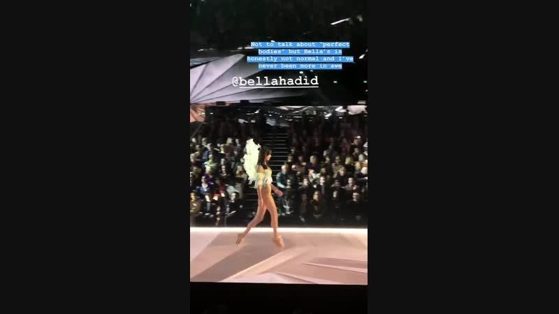 Белла Хадид дефилирует на шоу «Victoria's Secret», Нью-Йорк (2018)
