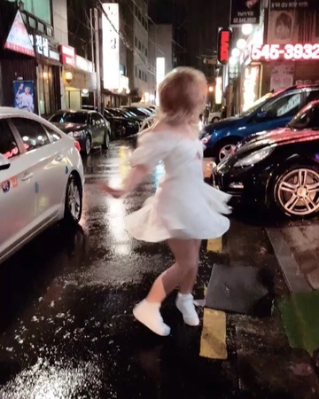 "Sabrina Carpenter on Instagram: ""Seoul I'm soaking wet"""