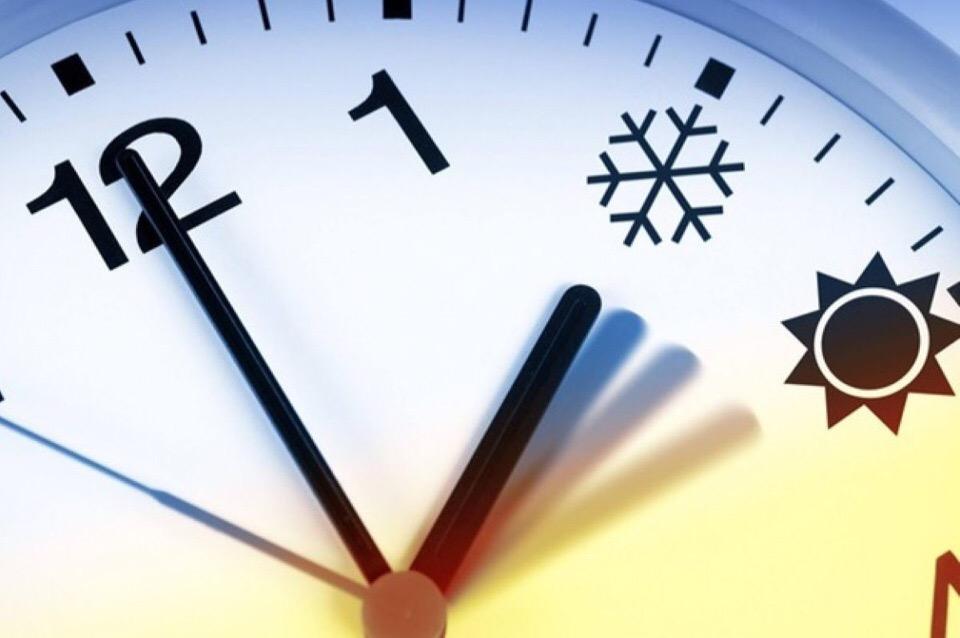 В Госдуму внесли законопроект о возвращении летнего и зимнего времени