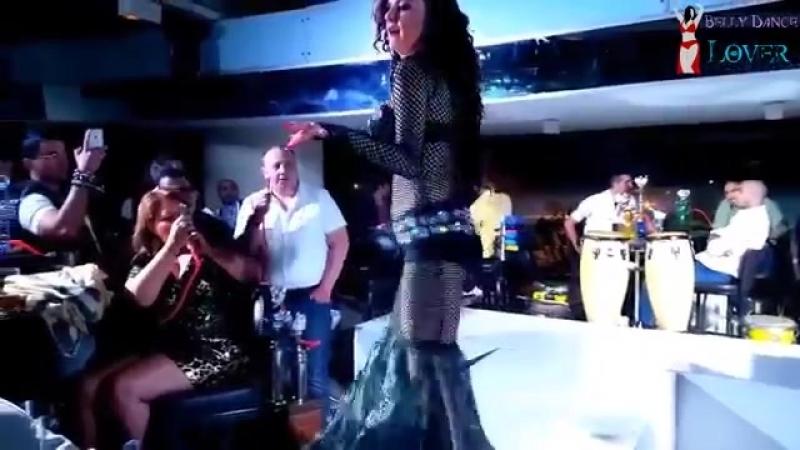 رقص شرقى احلى من صافيناز - (Halawet Rooh) Yana bellydancer 24491