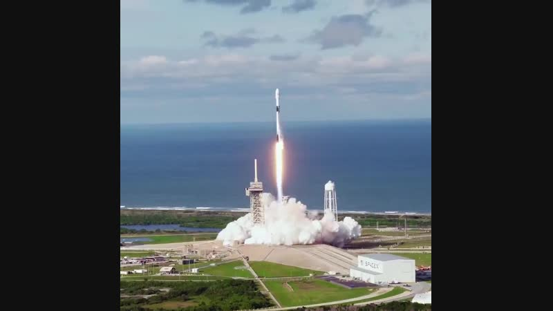 """SpaceX: """"Liftoff of Falcon 9 from historic Launch Complex 39A at Kennedy Space Center in Florida"""