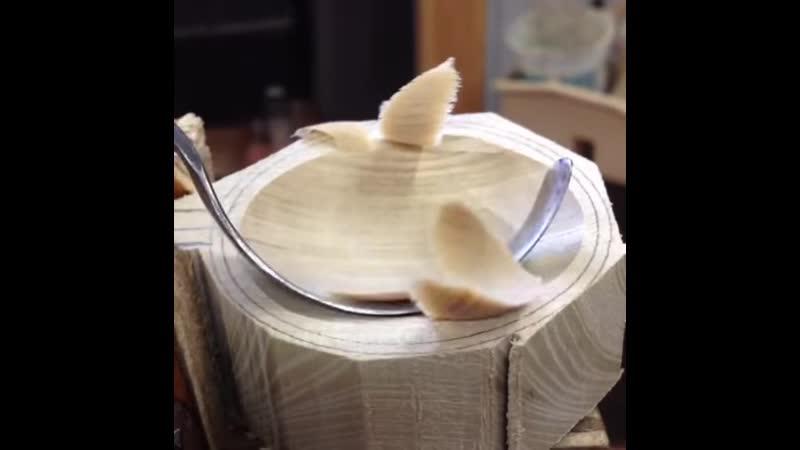 Острый нож для древесины