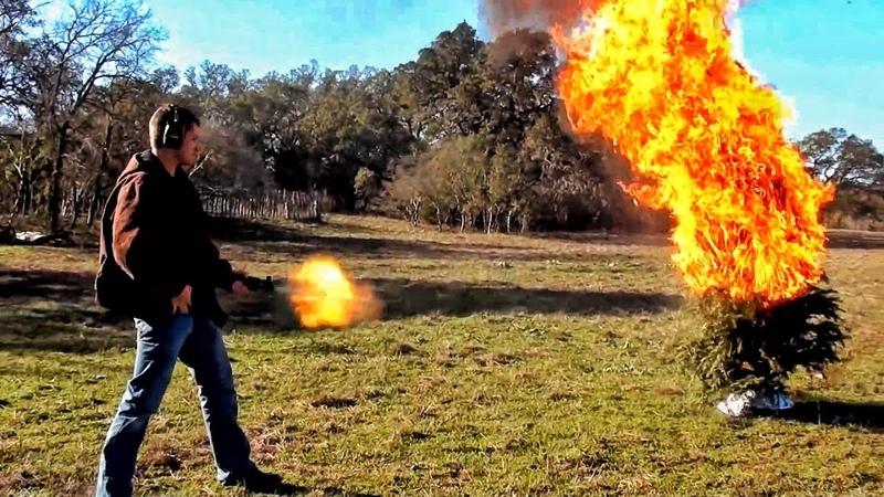 Калаш поджигает ёлку НГ на РР 2012 Разрушительное ранчо Перевод Zёбры