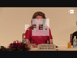 Catherine Deneuve, sorprendida por recibir el máximo premio artístico[HD,1280x720]