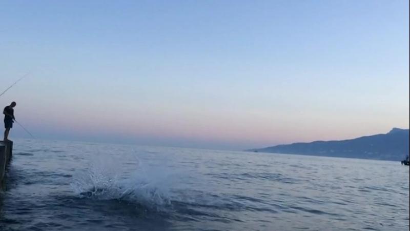 The crescendo at the beach of Yalta. Крещендо на плаже Ялты.