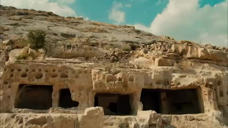 Ali Kemal, Zeynep'i kurtarmayı başarıyor! Kayıtdışı 1. Bölüm ( 360 X 640 ).mp4