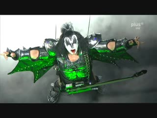 KISS - Gene Simmons Bass Solo _ I Love It Loud - Rock Am Ring 2010 - Sonic Boom