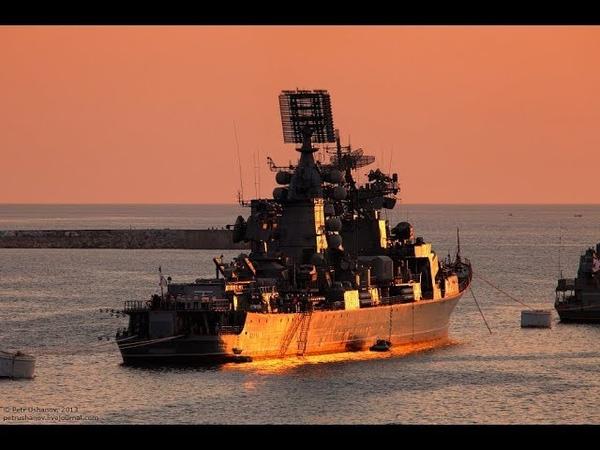 Черноморский флот отогнал украинских пограничников от российских нефтевышек...