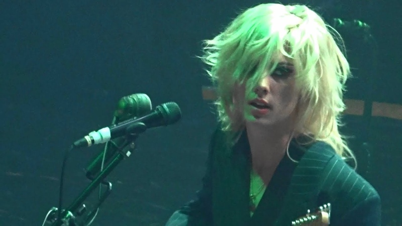 Wolf Alice - Storms/White Leather/Space Time/Visions Of A Life/Fluffy, TivoliVredenburg 11-12-2018