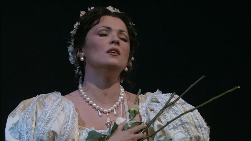 Bellini- I Puritani - Anna Netrebko Deh Vieni al Tempio - Act I- Met 2007