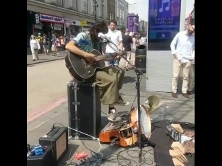 Чудо-уличный музыкант