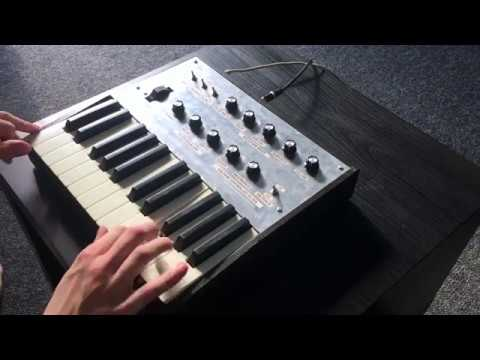 Super modified Korg Monotron keyboard demo