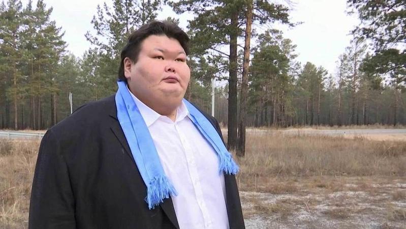 Самый тяжелый борец сумо вистории завершил карьеру ивернулся народину вБурятию