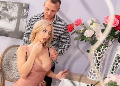 MomXXX - Slow romantic fuck in stockings