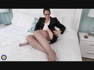 Naughty christina sapphire playing with her clitsucker toy - http://www.vidz7.com